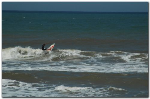 Surf en Arenas Verdes (Foto de Carlos Guillot)